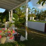 Frangipani Apartment - Patio & Garden