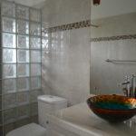 Frangipani Apartment - Sweet Jewel Apartments - The Bathroom