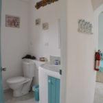 Two Palms Apartment - Bathroom