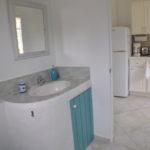 Two Palms Apartment - Bathroom & Kitchen